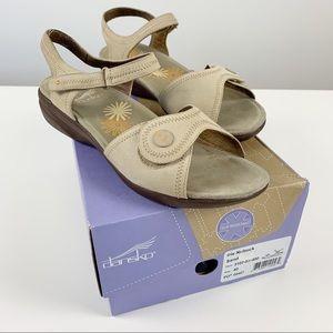 Dansko Iris Nubuck Leather Sandals Sand Sz 40 / 10